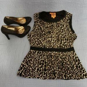 Tory Burch size 6 Leopard print top Super Cute!!!